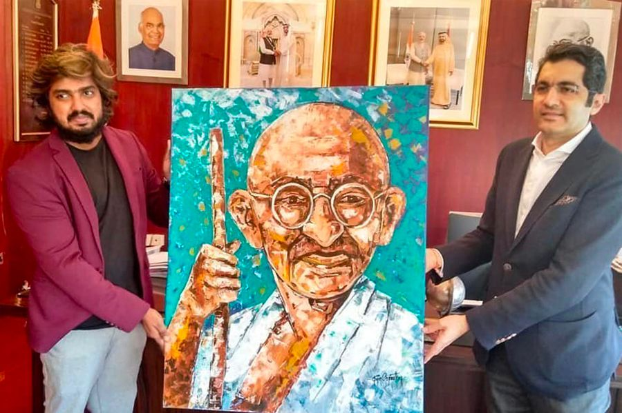 Dubai based Indian artist create endearing portraits of Mahatma Gandhi - 151st Gandhi Jayanthi
